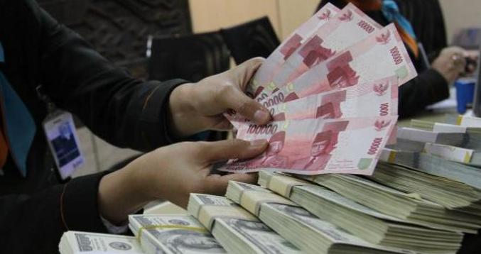 Dolar AS Menguat kembali bulan ini